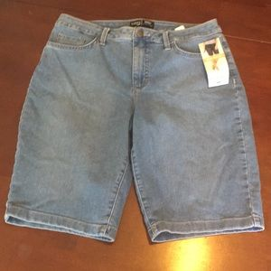 NWT Riders Mid Rise Bermuda Shorts Size 12
